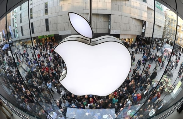 apple-is-again-in-the-lead